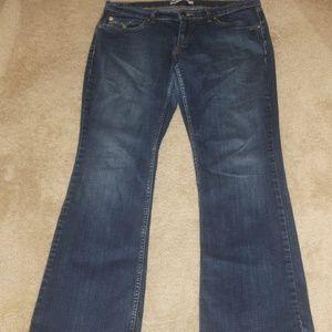 Levis 524 Too Super low blue jeans boot cut 13 M